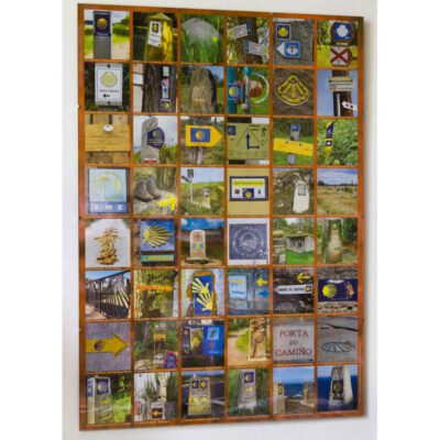 Poster mit Bildern von vielen Wegzeichen von verschiedenen Jakobswegen.